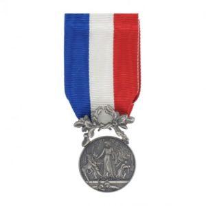 Médaille ordonnance courage et dévouement argent DMB
