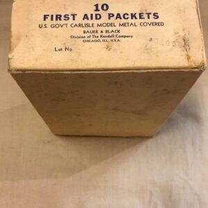 Carton de pansement US ww2 / First aid packet