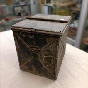 caisse métal pour lampe de signalisation Anglaise ww2